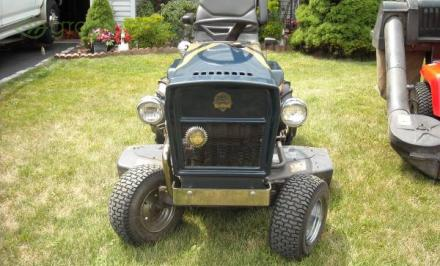 Simplicity Sovereign 75th Anniversary Garden Tractor For